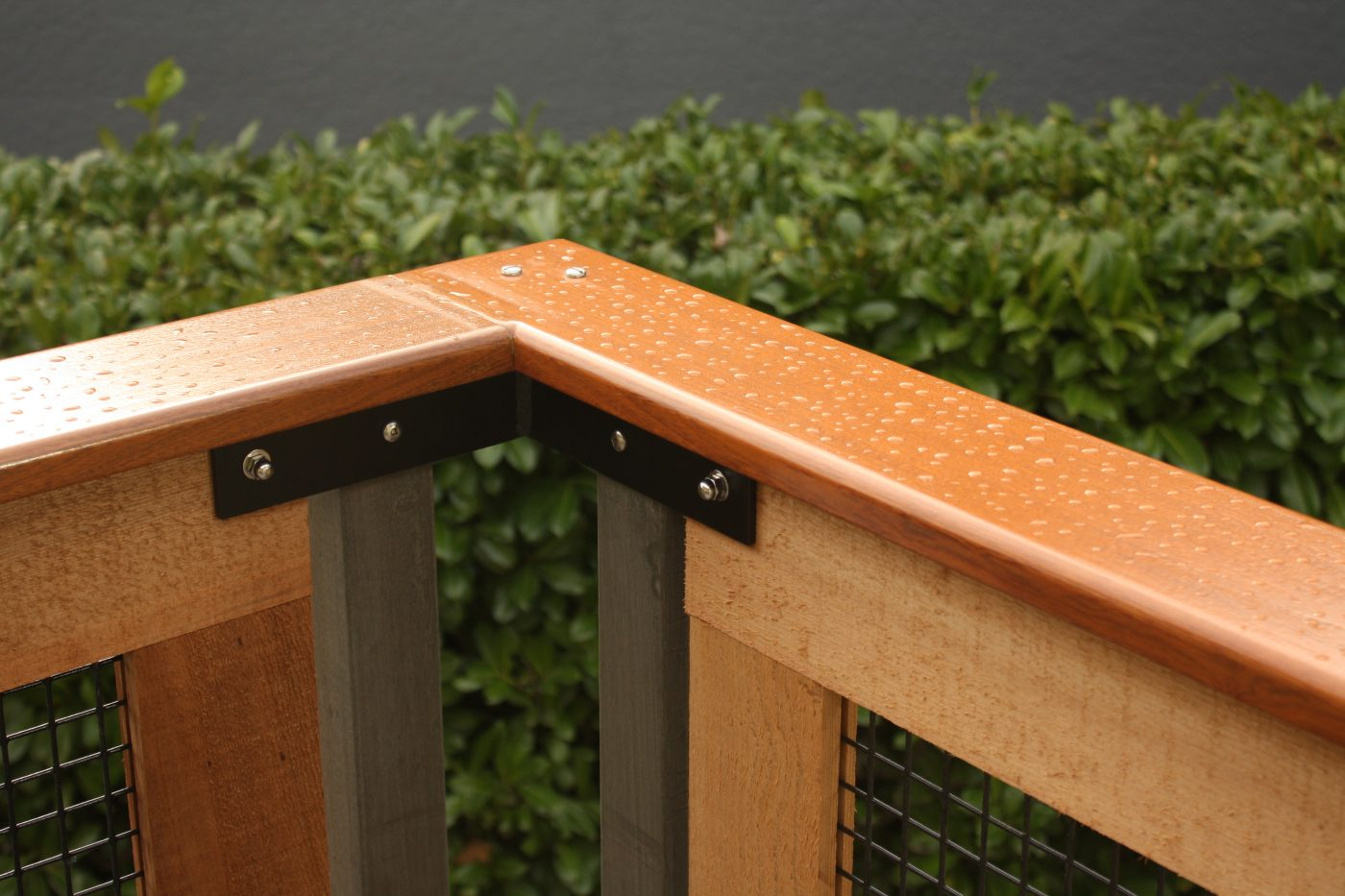 Custom cedar and mahogany deck railings, cap detail