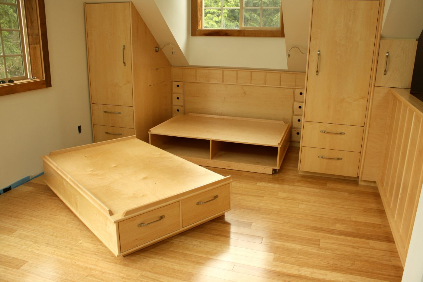 Built-in maple bedroom suite