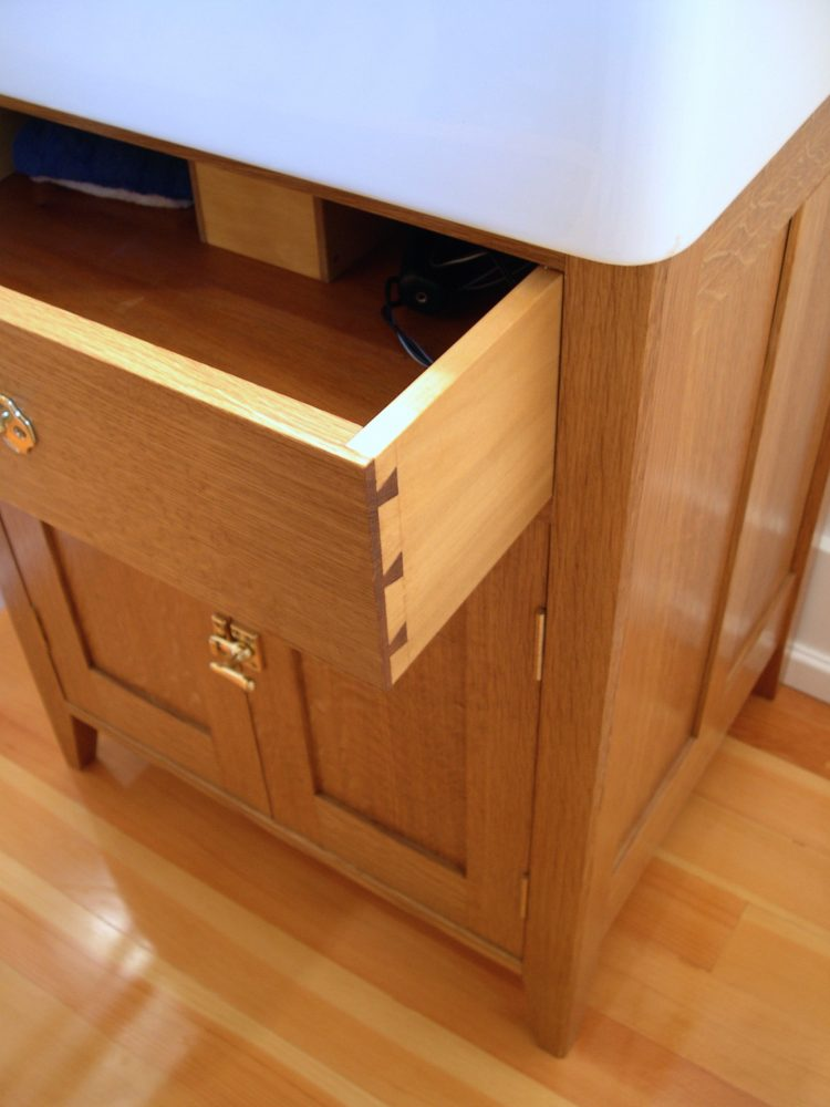 Blind dovetail drawer